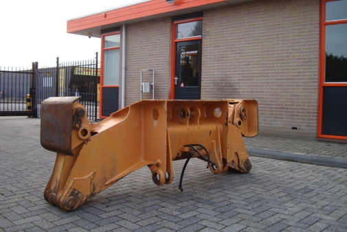 Stabilizers wheel excavator max machinery equipment for Cabine stub di stub